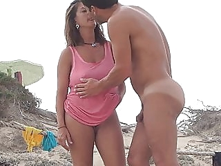 Gorgeous Milf on the beach with boyfriend amateur beach milf video