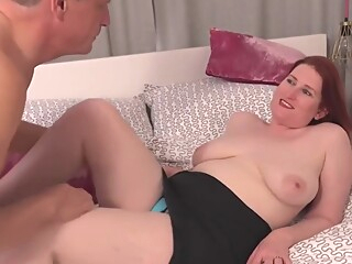 Naughty Red Mature Autumn Temptation Get Pussy Filled With amateur big ass big cock video