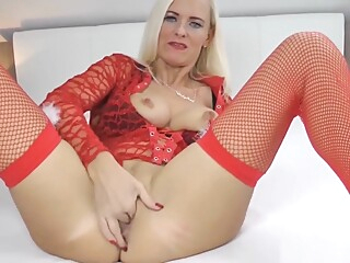 Fucking Christmas With Dirtytina amateur cumshot doggystyle video
