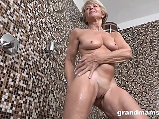 Worn Out Granny And Her New Toy amateur blonde fetish video