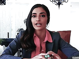Sonam Kapoor Wins The Bet celebrity indian hd videos video