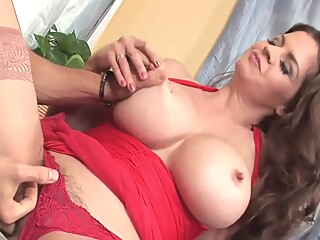Dona pechugas big tits brunette hairy video