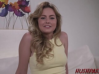 Nude blonde is spreading her legs wide open and getting her pussy licked and fucked blond casting cumshot video