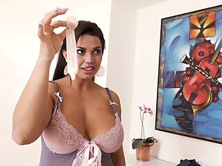 Latin #024 amateur big ass big tits video