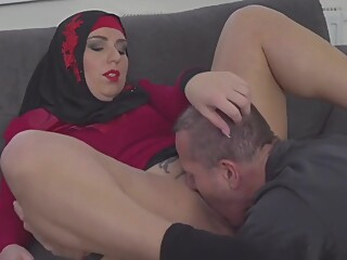 Grateful Sexy Muslim Gets Boned amateur arab big tits video
