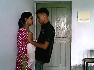 College immature Paramour Hawt Fore Play in Class Room caught indian mature  video