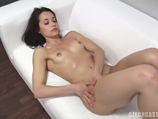 Ejaculant In Amateurs Girls Mouth And Cunt amateur brunette casting video
